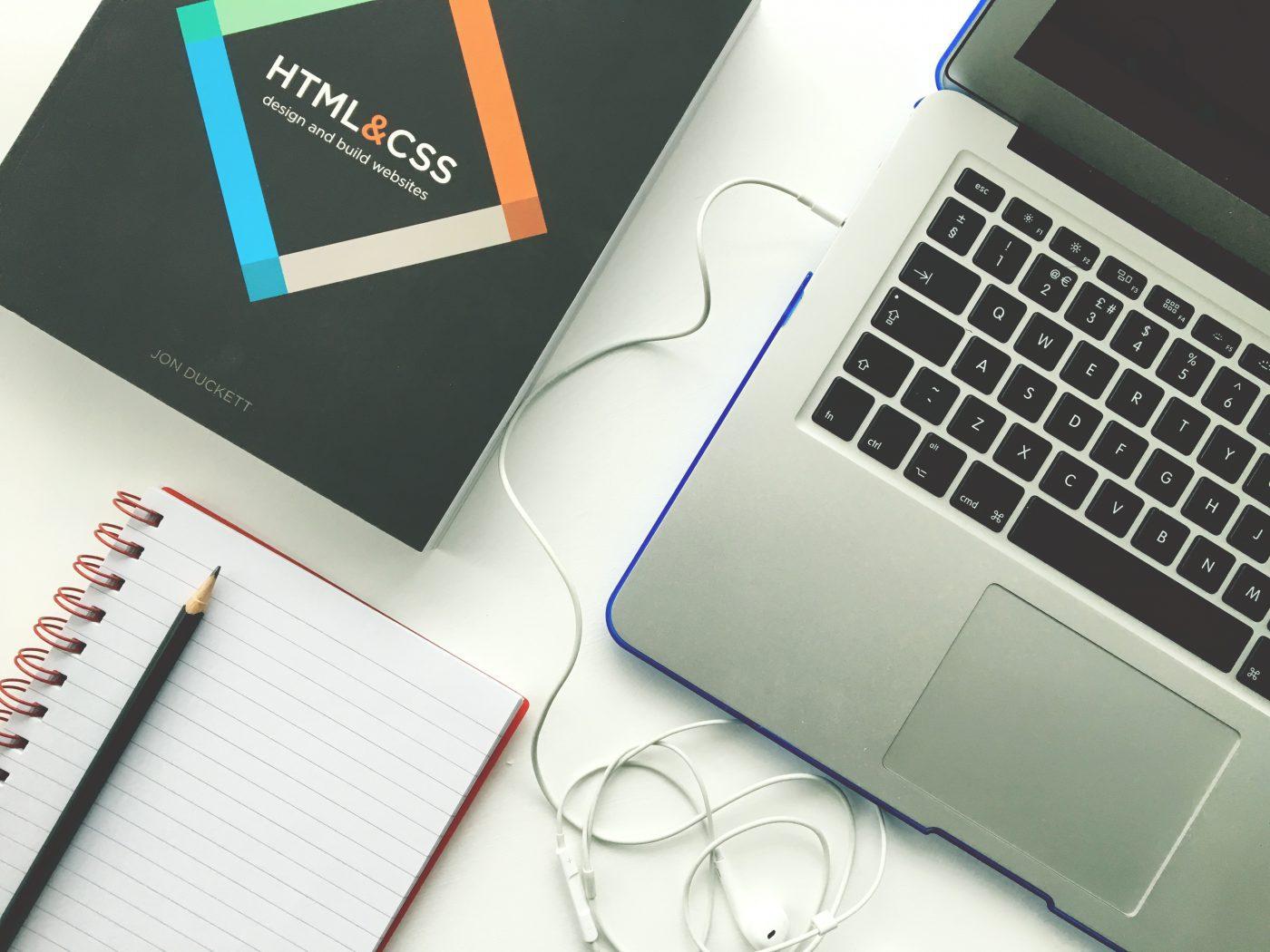 スクロールを意識したサイト設計とWebデザイン